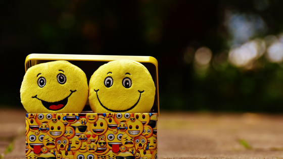 yourmarketingassistants - Cómo-Usar-Emojis-En-Tus-Redes-Sociales